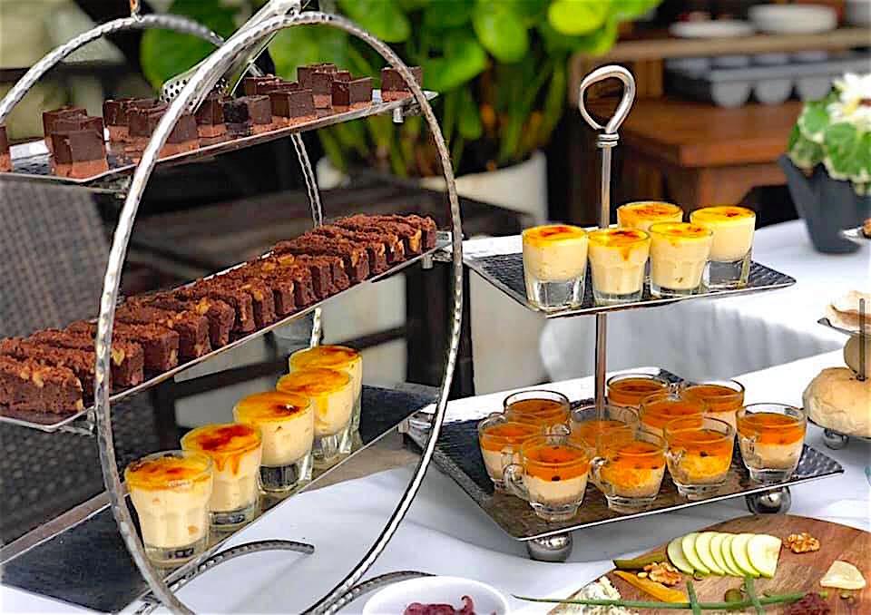 www.thefunkyturtle.com baracuda restaurant Dessert Buffet