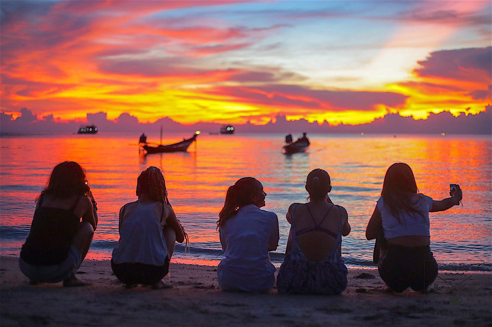 www.thefunkyturtle.com blue water restaurant koh tao sunsets