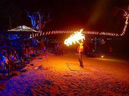 thefunkyturtle.com-nightlife-koh-tao-fire-show