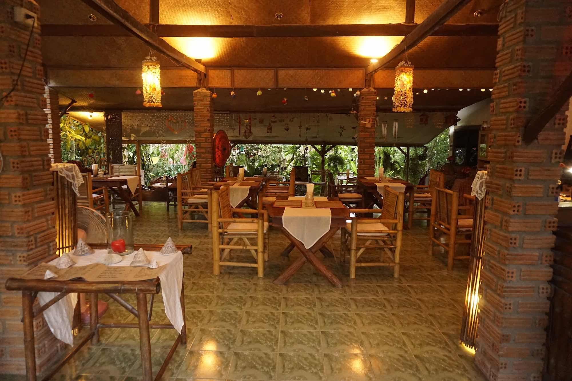 www.thefunkyturtle.com thaita italian restaurant on koh tao