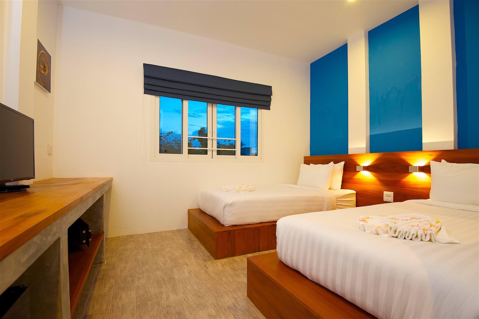 www.thefunkyturtle.com thalassa hotel sairee koh tao twin rooms