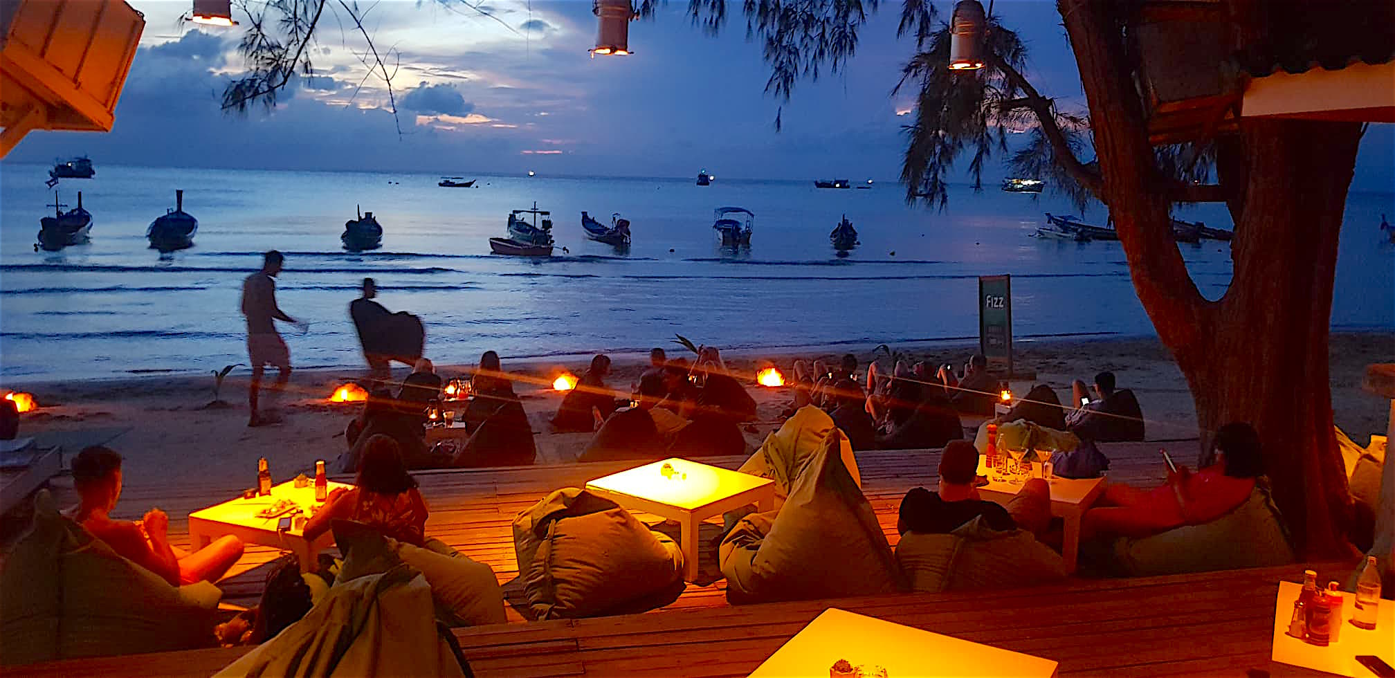 www.thefunkyturtle.com fizz beach lounge koh tao sunset lounge