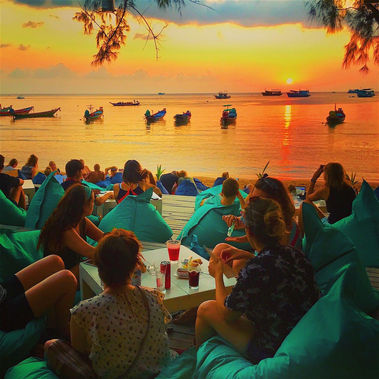 www.thefunkyturtle.com fizz beach lounge koh tao sunsets