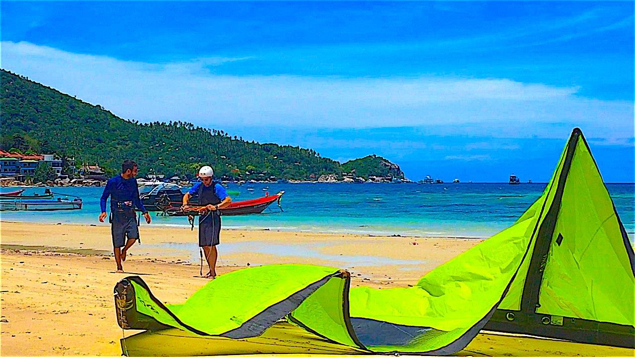 www.thefunkyturtle.com kitesurfing on koh tao