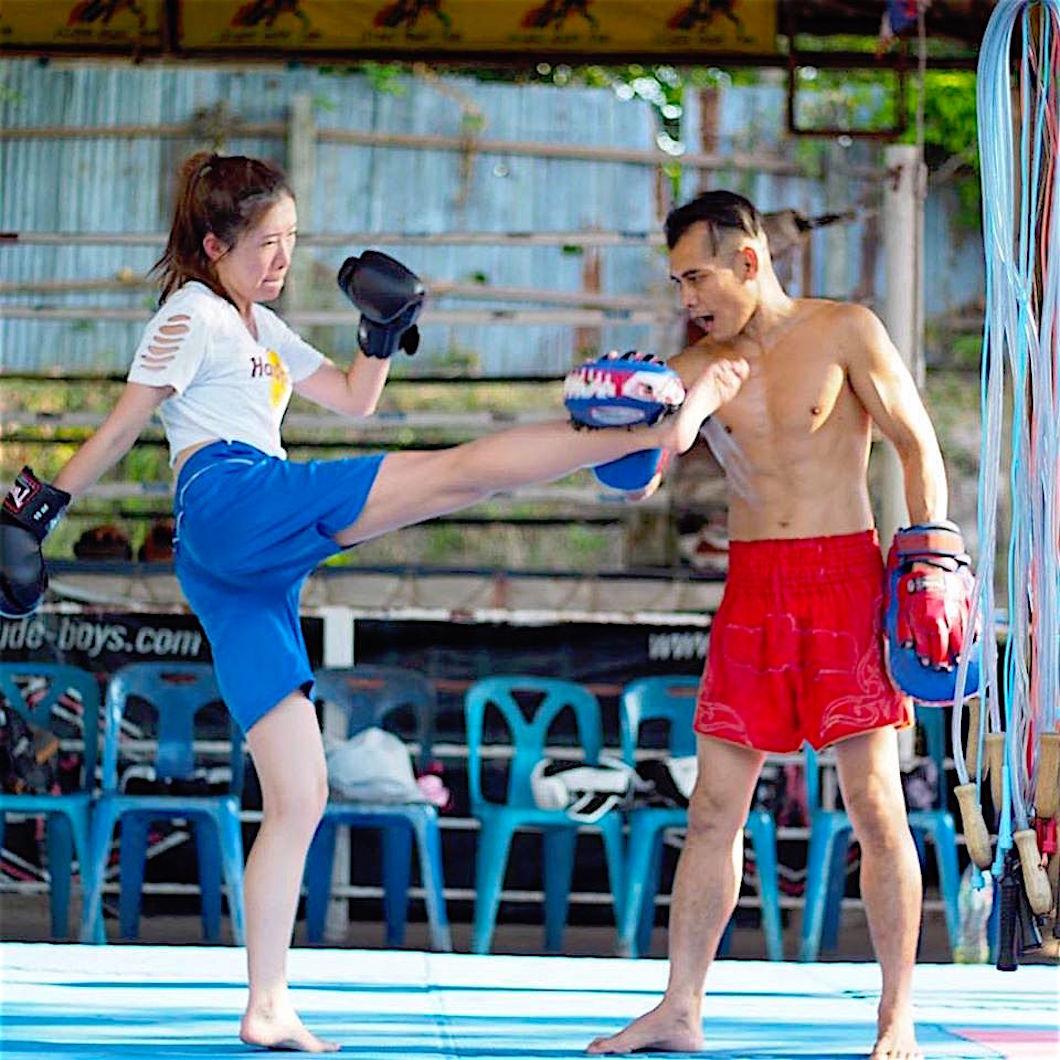 www.thefunkyturtle.com muay thai gym koh tao