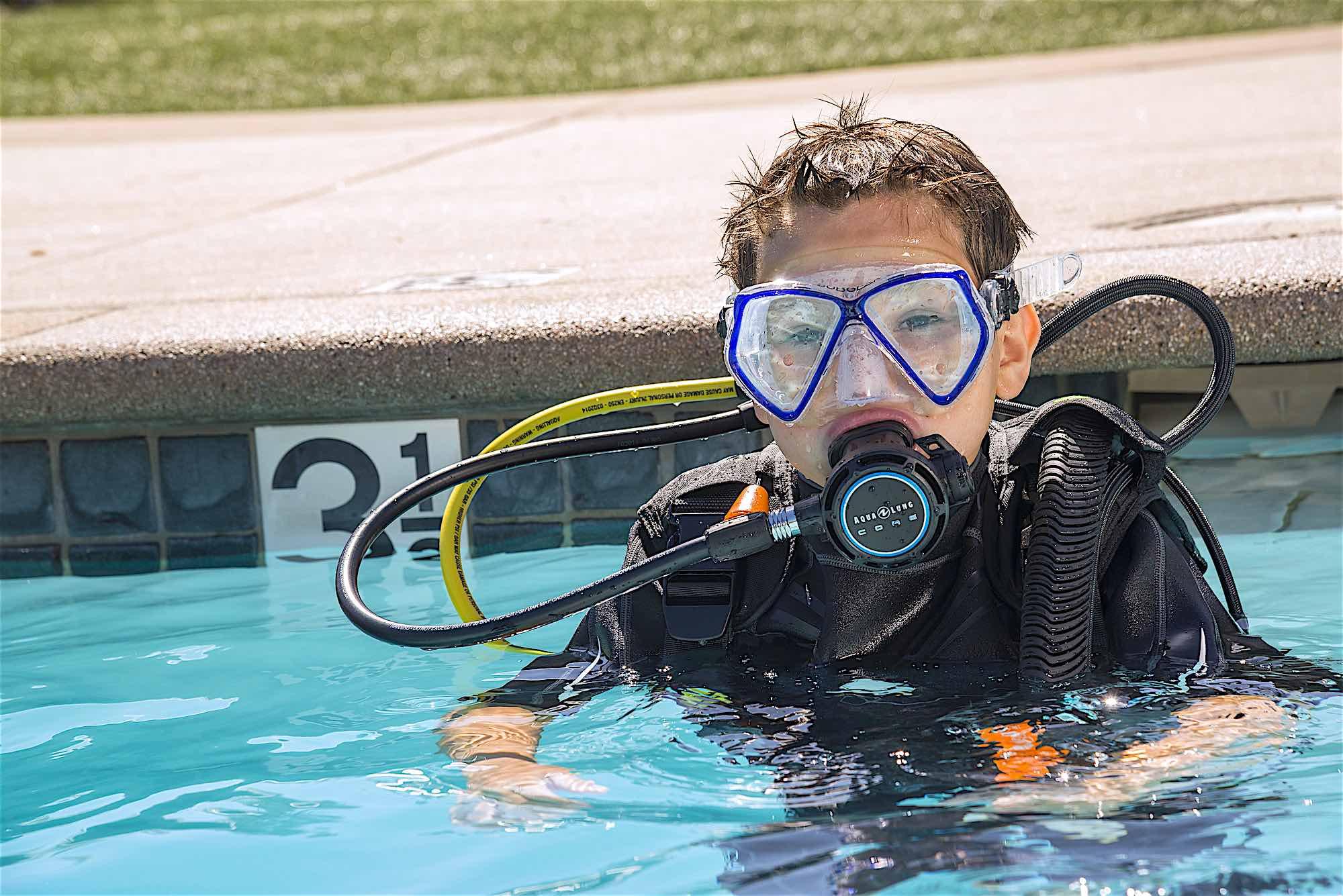 www.thefunkyturtle.com seal team activities scuba diving koh tao