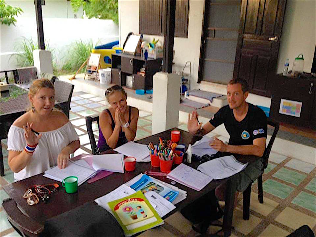 www.thefunkyturtle.com thai language classes on koh tao
