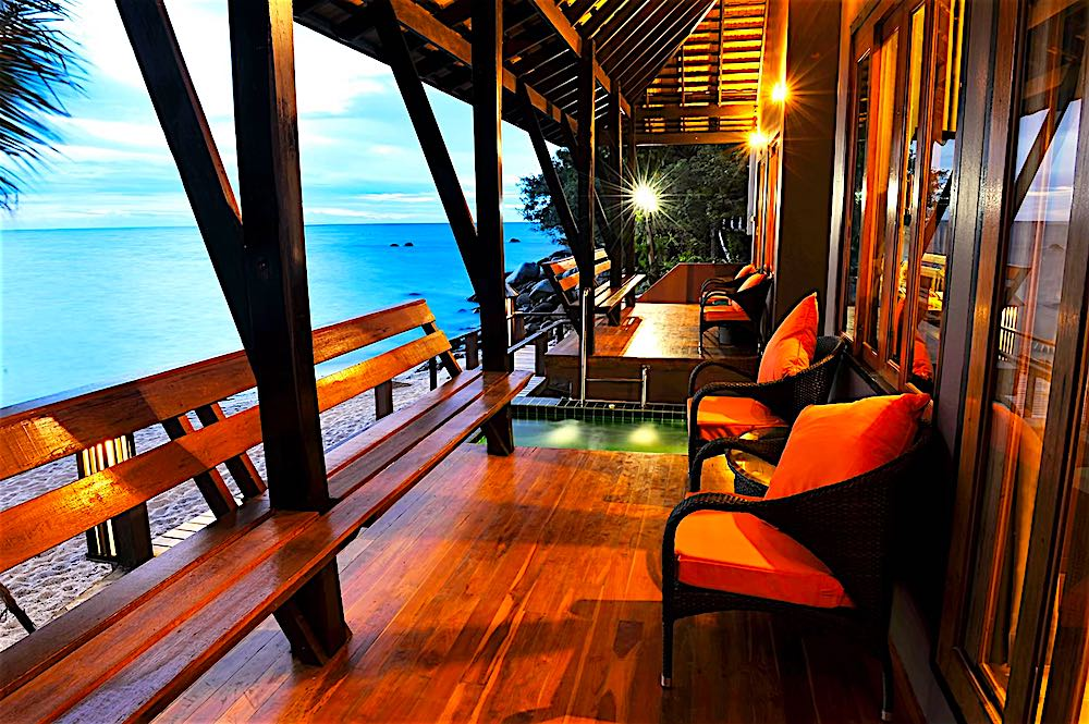 www.thefunkyturtle.com beach club hotel koh tao thailand