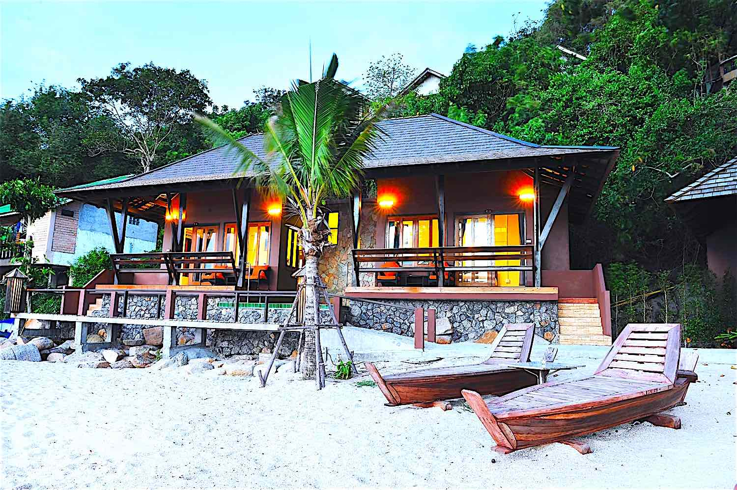 www.thefunkyturtle.com beach club resort koh tao