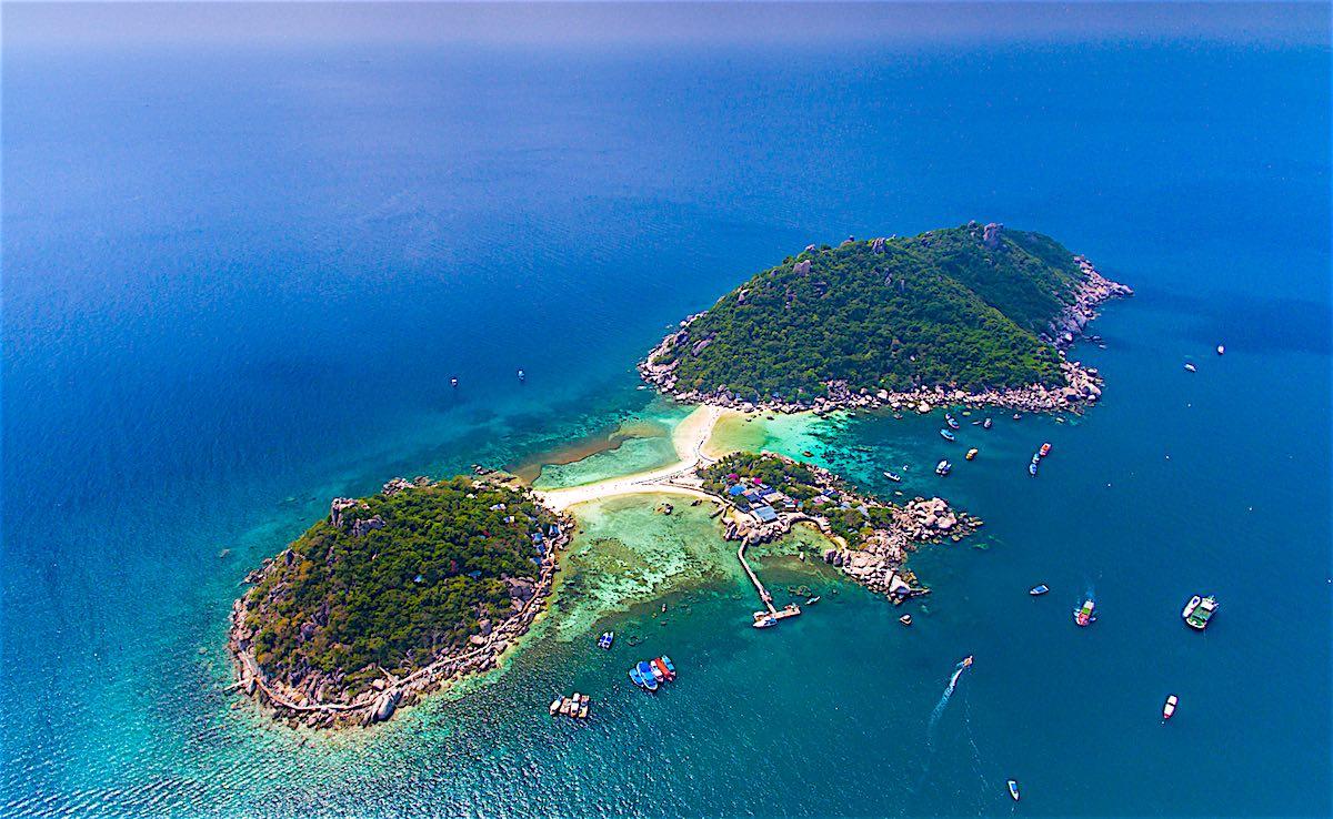 www.thefunkyturtle.com-beautiful-koh-nangyuan-beach-koh-tao