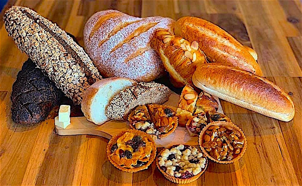 www.thefunkyturtle.com fresh bread every day at Nui Bakery