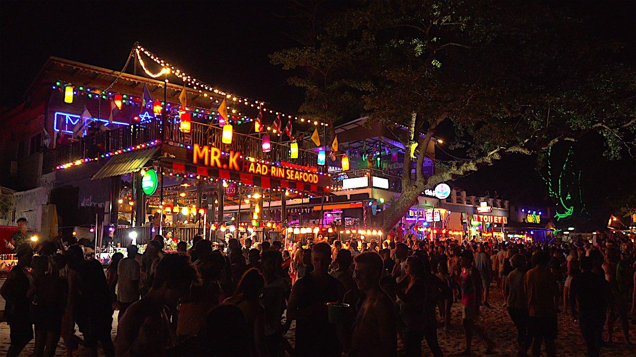 www.thefunkyturtle.com full moon party koh phangan thailand