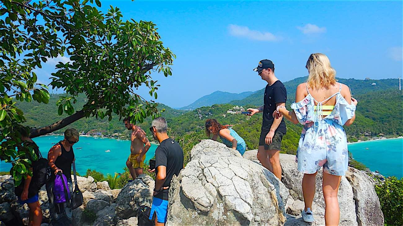 www.thefunkyturtle.com john suwan viewpoint visitors on koh tao