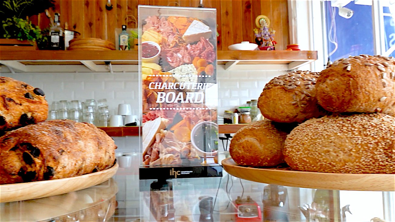 www.thefunkyturtle.com nui bakery sairee