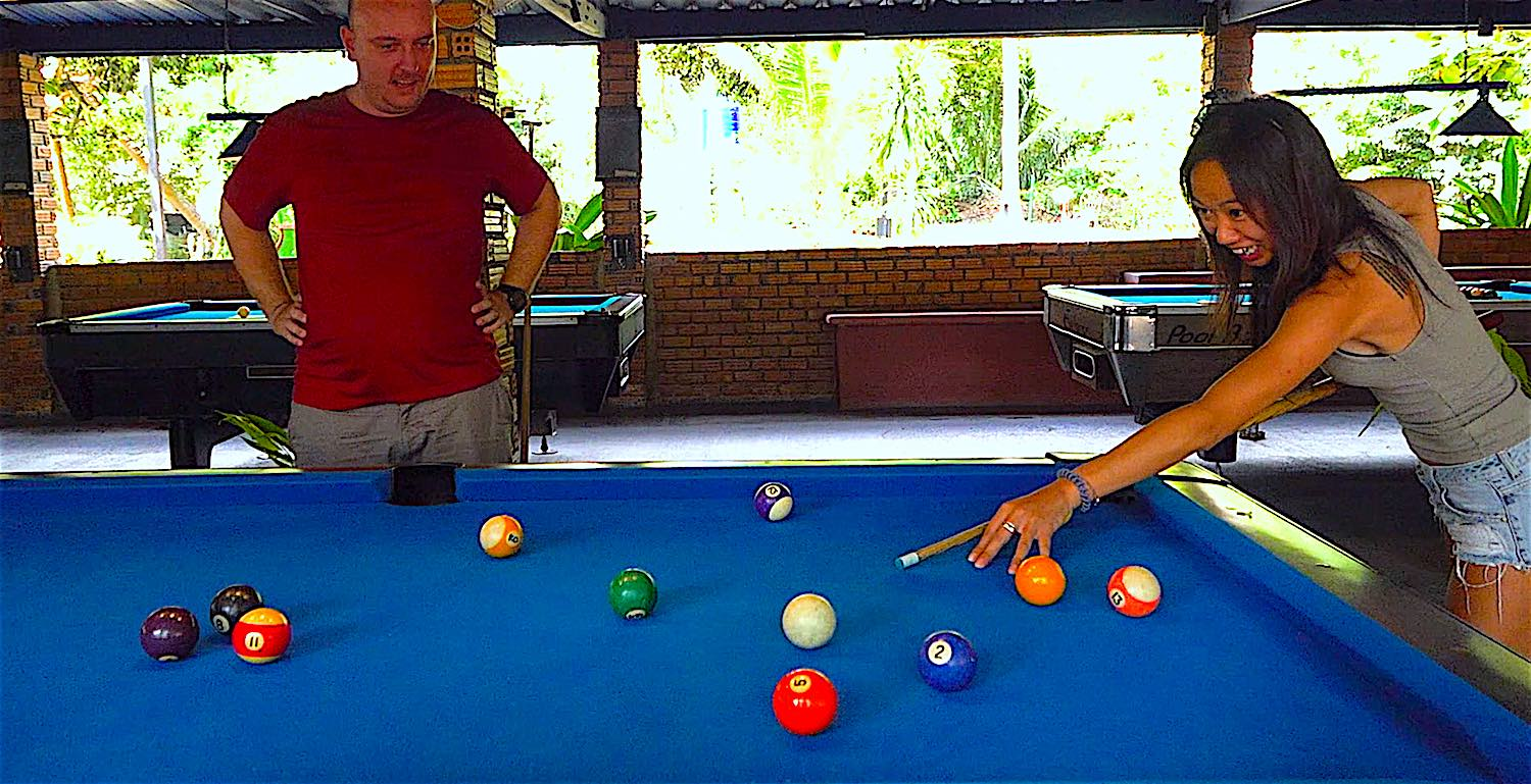 www.thefunkyturtle.com play pool at koh tao leisure park