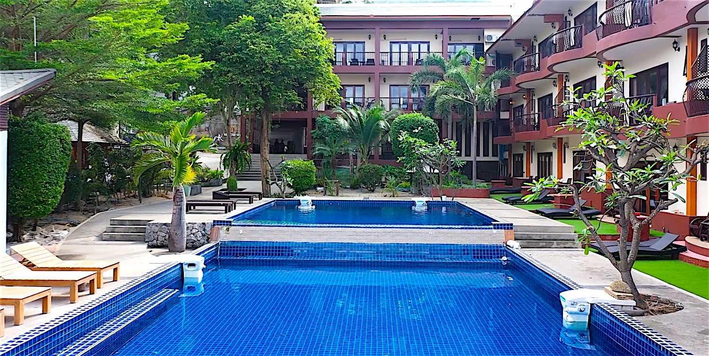 www.thefunkyturtle.com regal resort mae haad koh tao