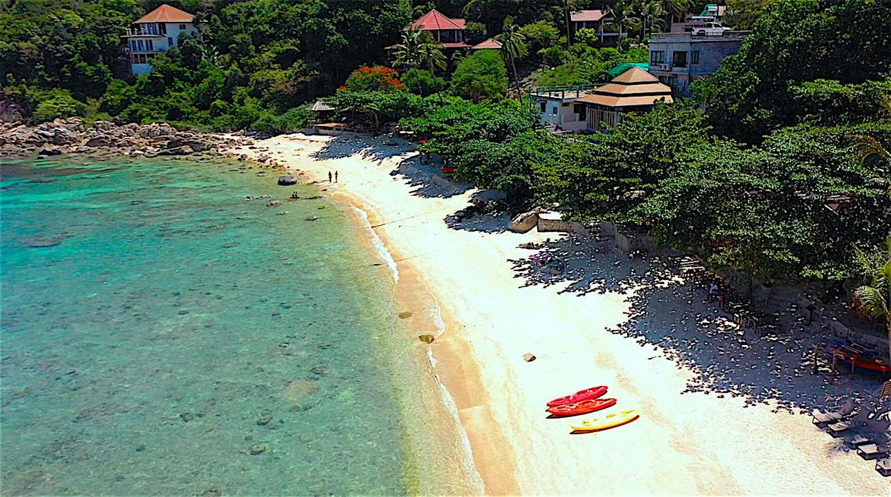 www.thefunkyturtle.com saideng best beaches on koh tao