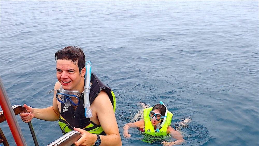 www.thefunkyturtle.com snorkeling on koh nangyuan