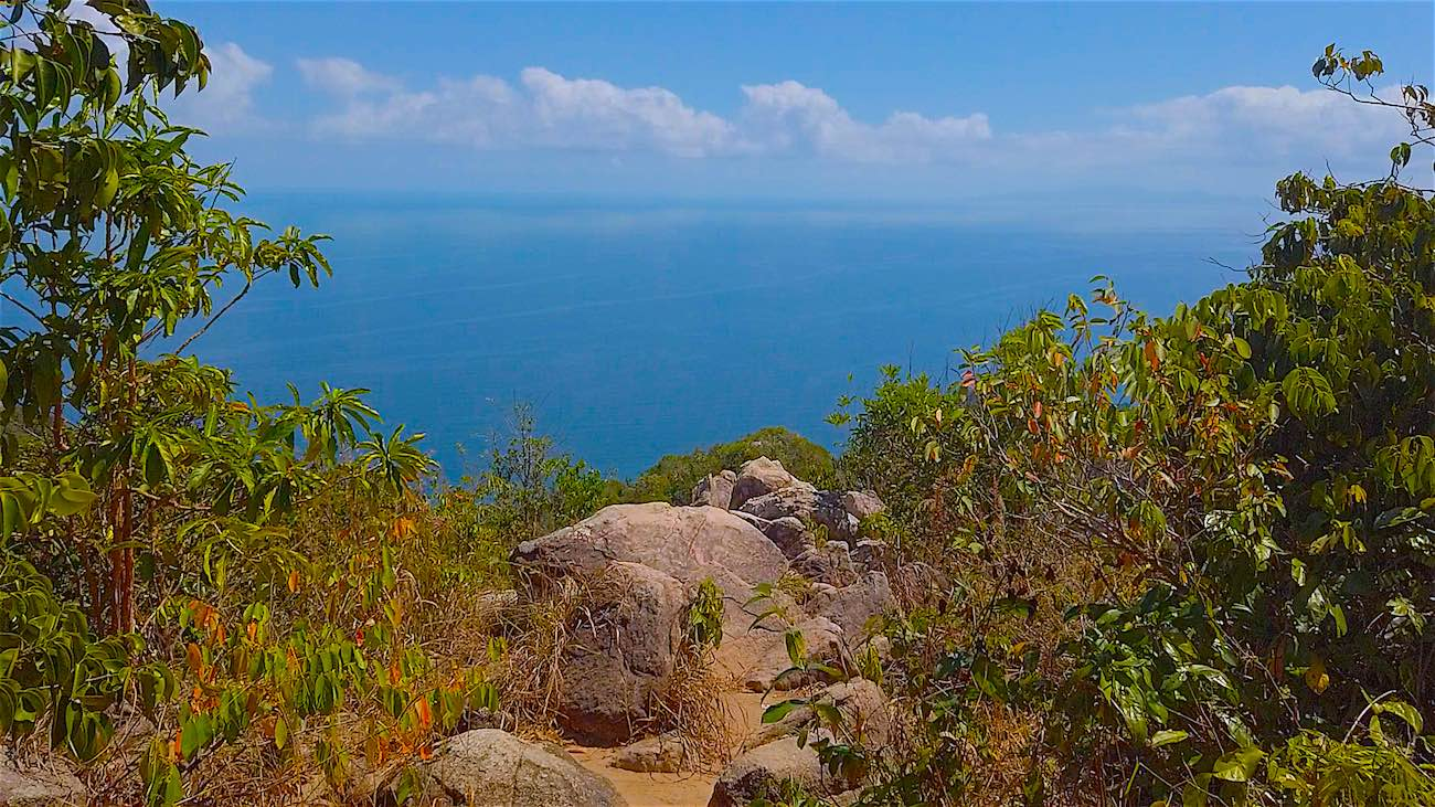 www.thefunkyturtle.com beautiful tanote peak viewpoint koh tao