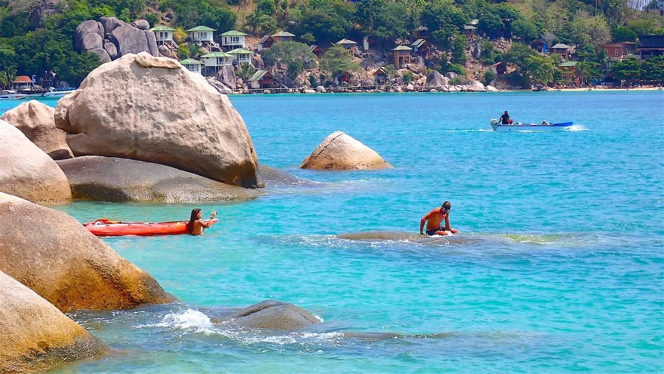 www.thefunkyturtle.com kayaking koh tao saan jao beach