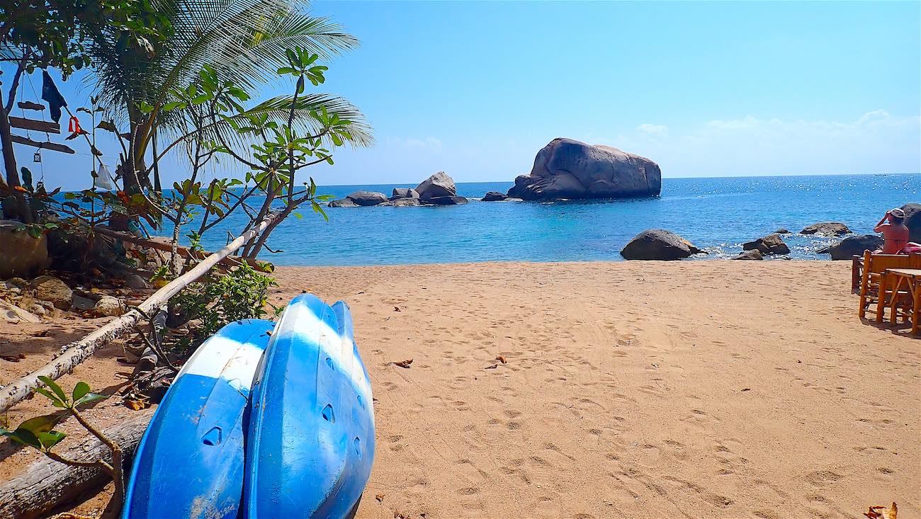 www.thefunkyturtle.com kayaking tanote beach koh tao