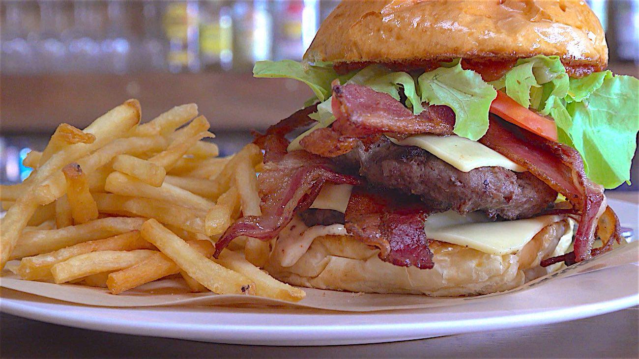 www.thefunkyturtle.com best burgers koh tao