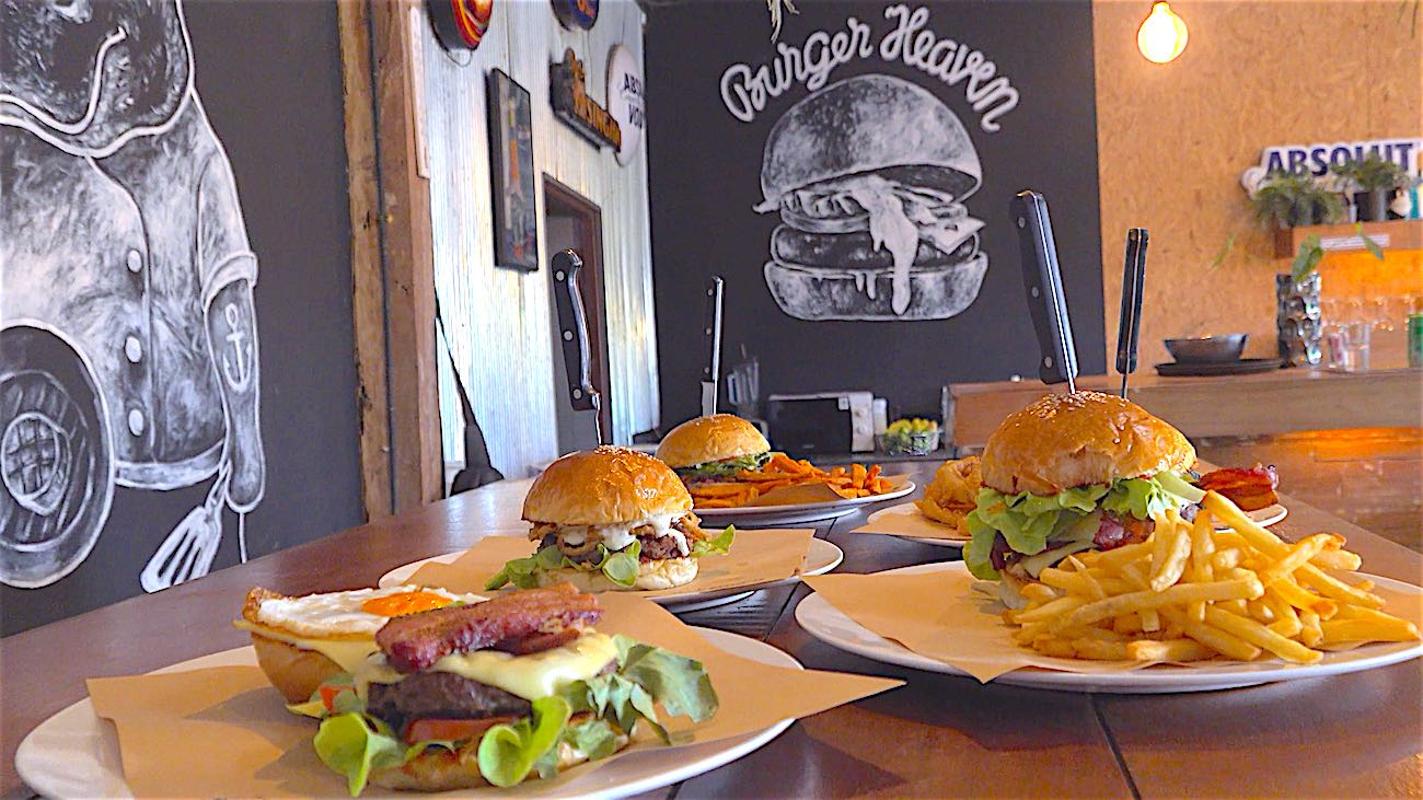 www.thefunkyturtle.com hippo burger bistro on koh tao