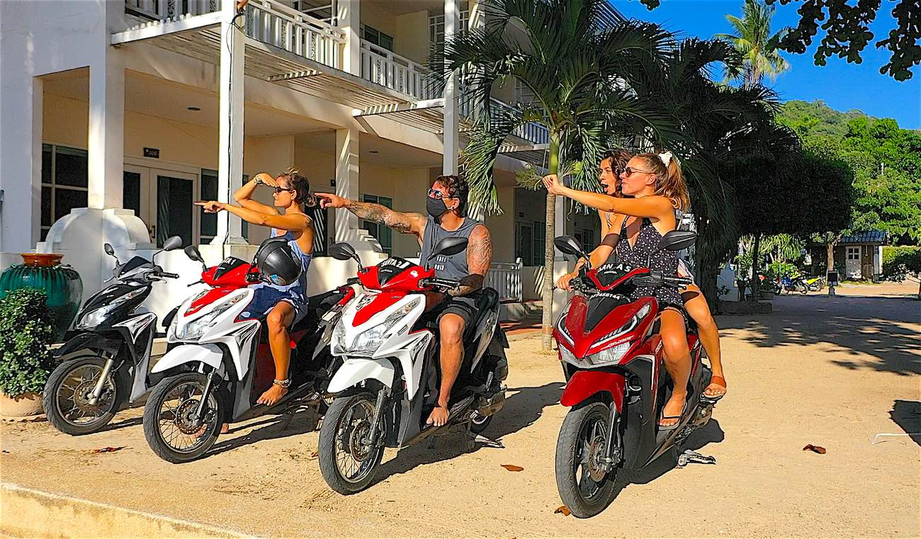 www.thefunkyturtle.com rent a scooter on koh tao