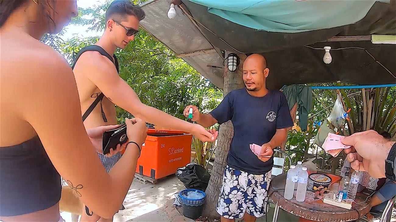 thefunkyturtle.com best things to do koh tao sairee beach to john suwan viewpoint 100 baht entrance fee